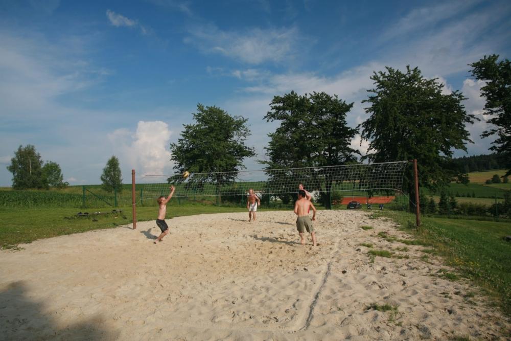 Volejbalové hřiště